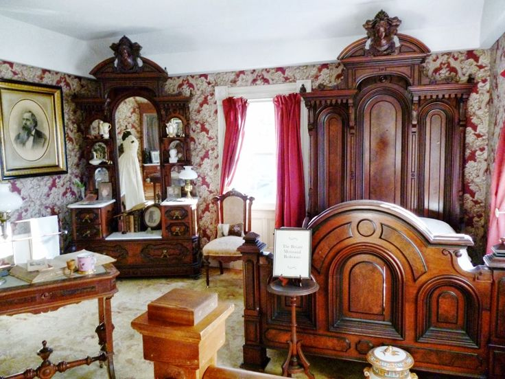Marvelous Writing Straight From The Heart: Victorian Bedroom Suite Upstairs At The  Bryant House Restaurant In Vermont