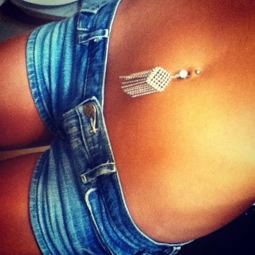 Any belly button ring like this/similar