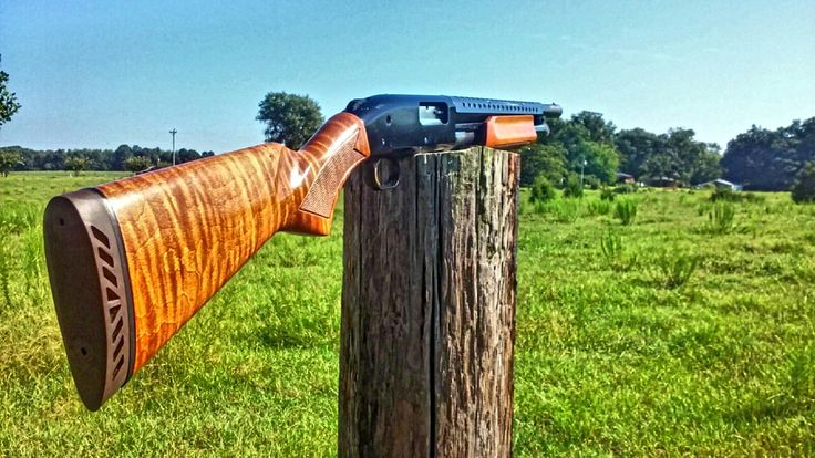 Mossberg 500 old school riot shotgun