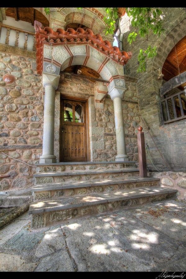 Kalabaka, Thessaly, Greece www.house2book.com