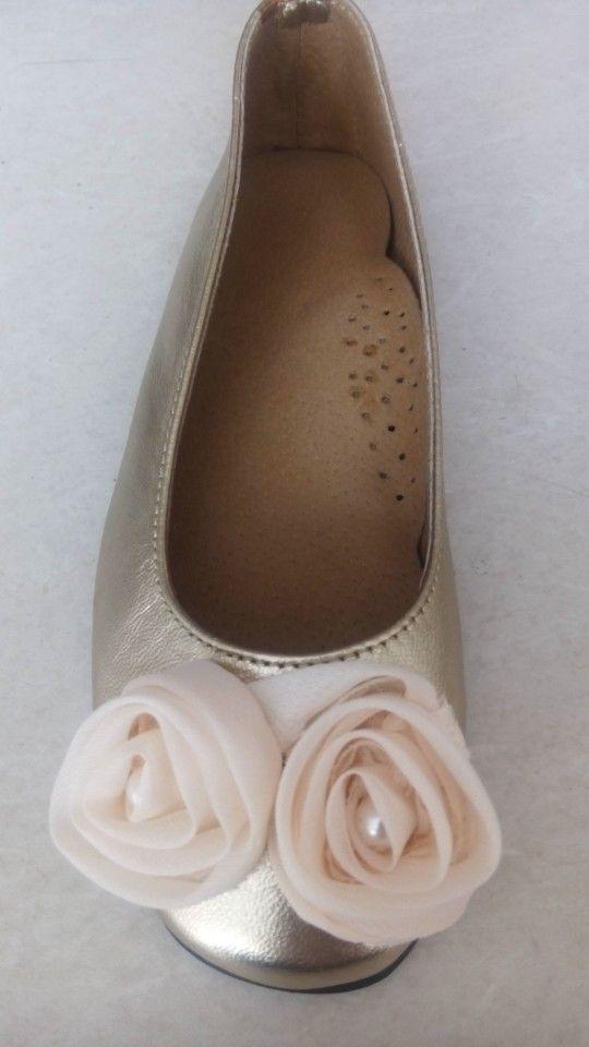 Handmade bridal leather flats by elli lyraraki