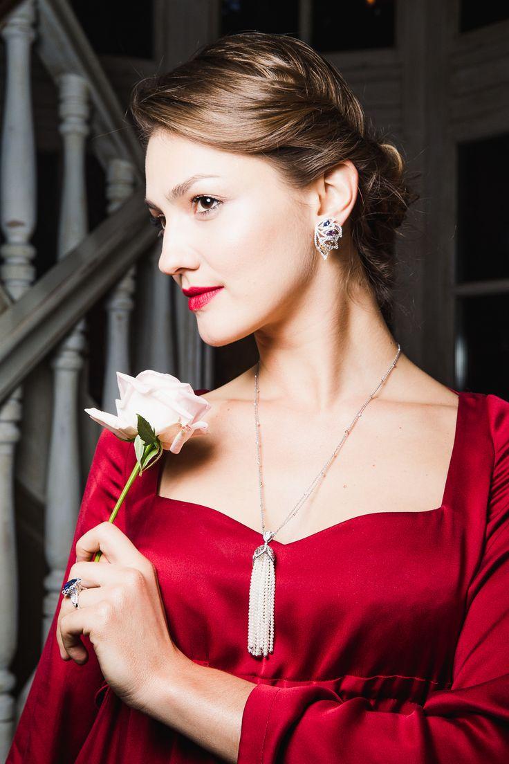 Сапфиры и жемчуг в коллекции Ар-Деко от CLUEV. #cluev #hautejoaillerie #jewelery #PreciousStones #sapphire #pearls