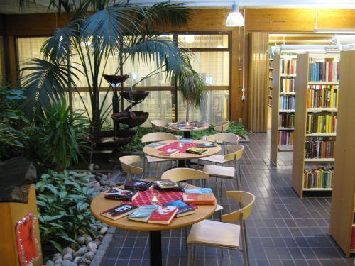 Norbergs bibliotek, bibliotekets trädgård.