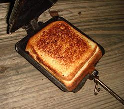 """""""Mountain Pies"""" recipes for the campfire"""