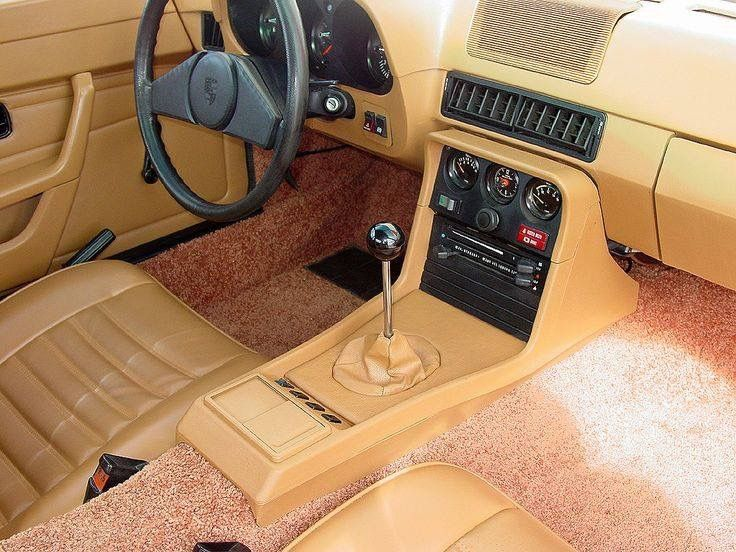 924 interior with ferrari type shifter porsche for Porsche 924 interieur