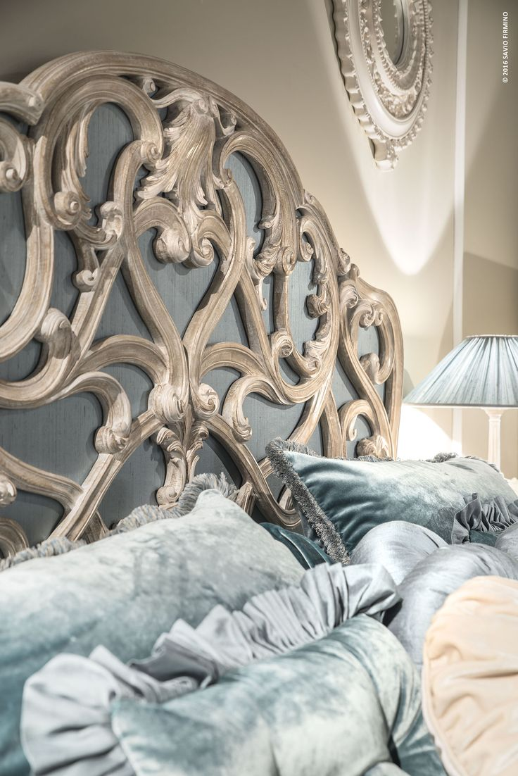 All the details of this wonderful bed are hand-made by expert Italian artisans…