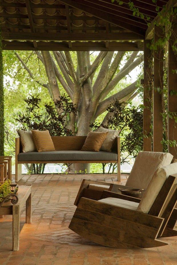 Nice & Glorious #Chair_Sofa_Couches Marina Linhares lança livro de…