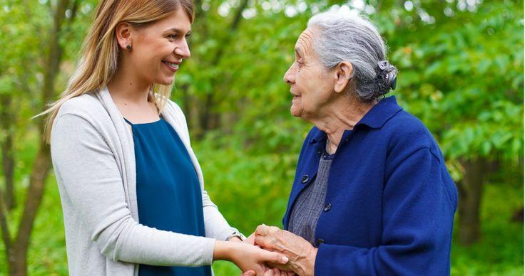 Estudo internacional aponta que cuidar de familiares e amigos pode aumentar a expectativa de vida de idosos