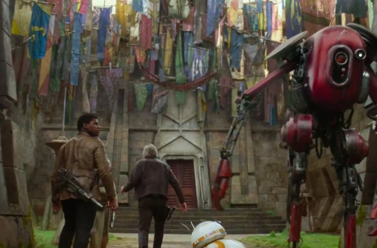 Star Wars Fans Identify Flags Hanging from Maz Kanata's Castle ...