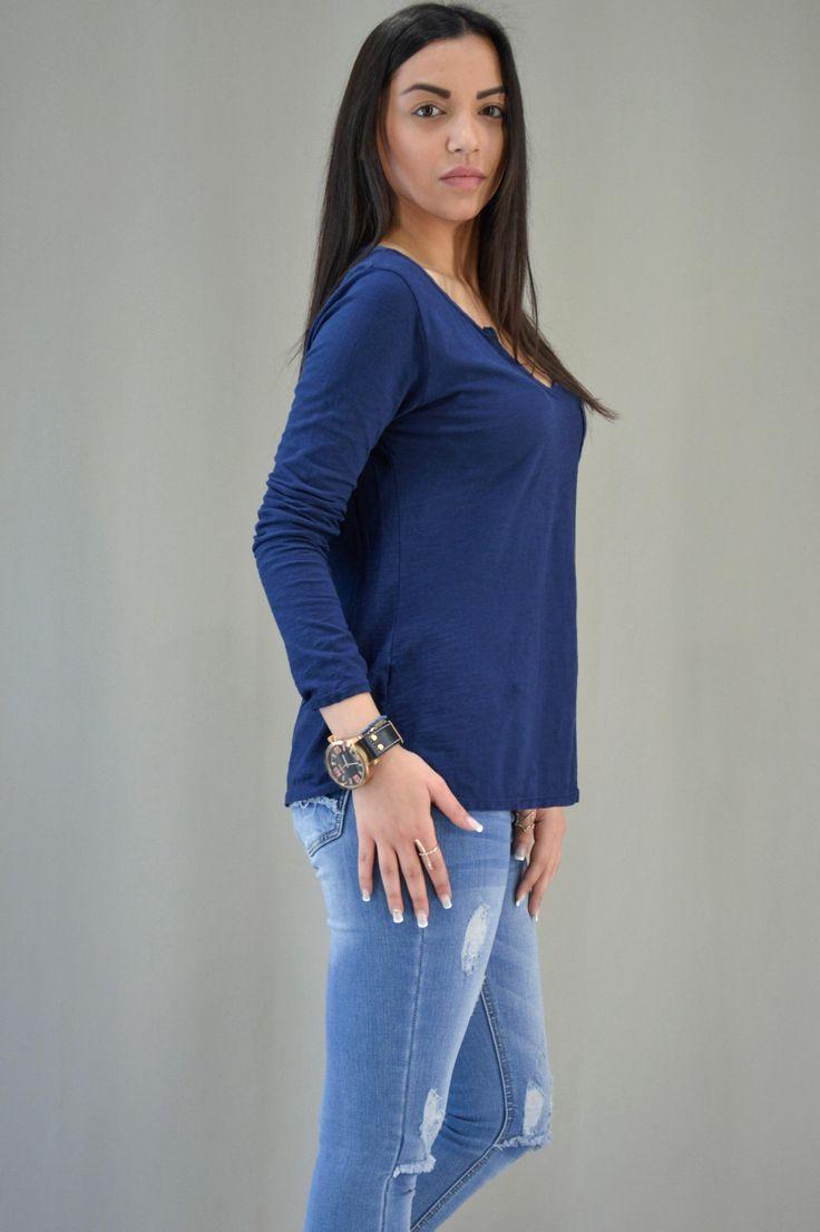 Γυναικεία μπλούζα με βέ MPLU-0899-bl | Μπλούζες > Μπλούζες και Mπλέ σκούρο
