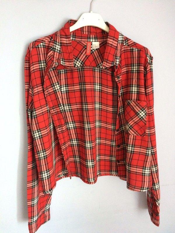 Witam :) Do sprzedania mam bardzo ładna koszule w kolorze czerwonym, w kratkę. Jest troche krótsza, taki bardziej crop top...