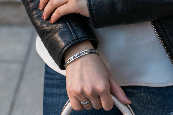 ALL IN THE DETAILS: Edgy Elegance - Skinny Roman Empress Bangle by @thepeachbox
