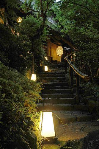 """Japanese restaurant """"KUROCHAYA"""" in Akiruno city, Tokyo. 刻々と深まる夕闇。 東京あきる野市「黒茶屋」にて。 築250年前の庄屋屋敷を再利用。 敷地内は心落ち着く空間が拡がります。"""