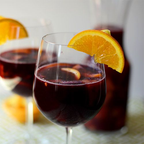 5-ingredient fruity sangria made with Spanish red wine. 15 minutes from start to finish. Fully customizable from dry to sweet!
