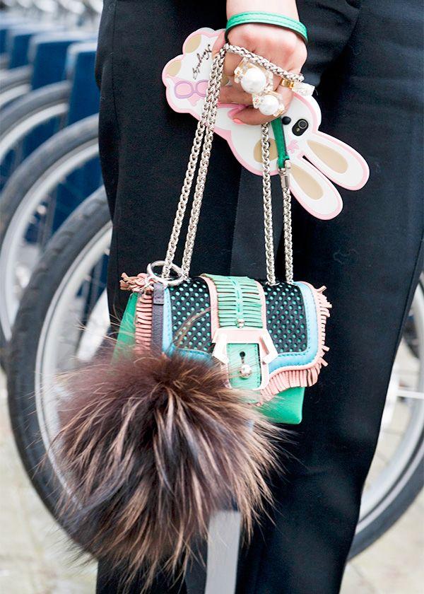 Street style: the mini-bags / Street style: les minisacs