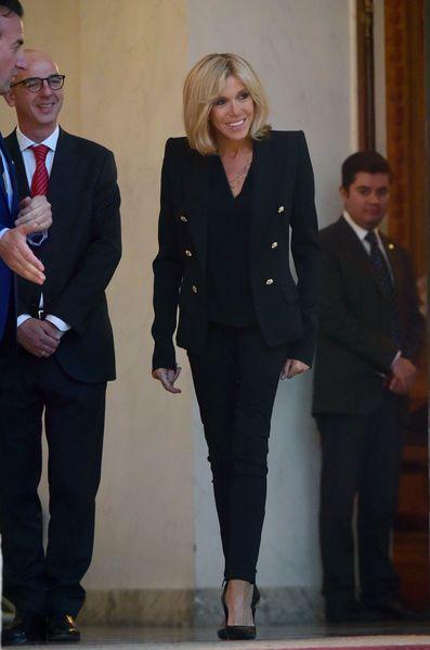 Jeudi, Emmanuel et Brigitte Macron ont reçu à dîner à l'Elysée le président mexicain Enrique Peña Nieto et son épouse Angelica Rivera.