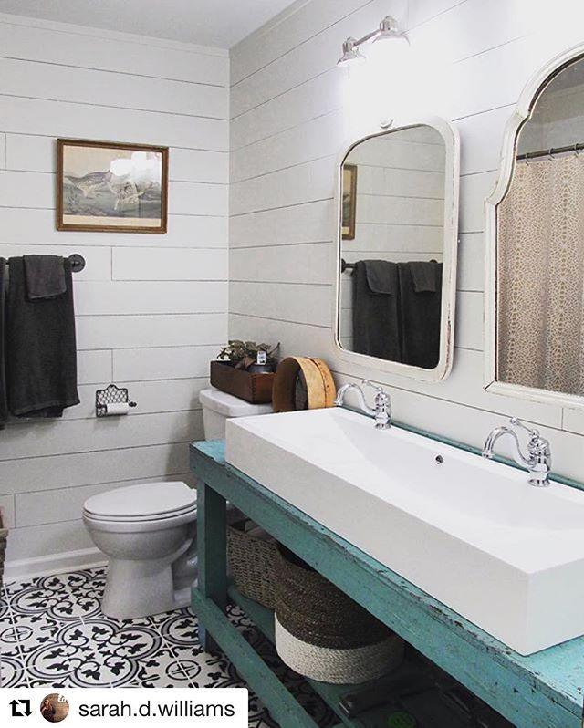 City Farmhouse Bathroom