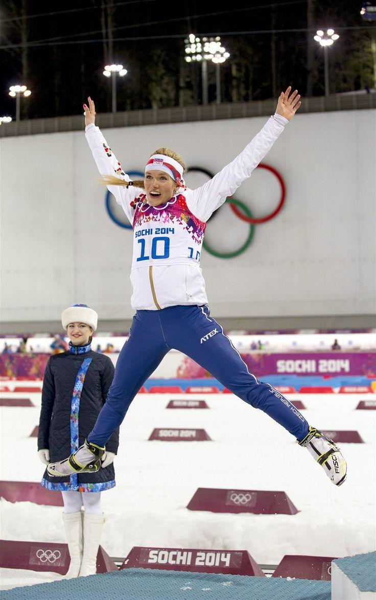 VÝSKOK. Česká biatlonistka Gabriela Soukalová vybojovala v olympijském závodu na 12,5 kilometru s hromadným startem stříbrnou medaili. (17. ...