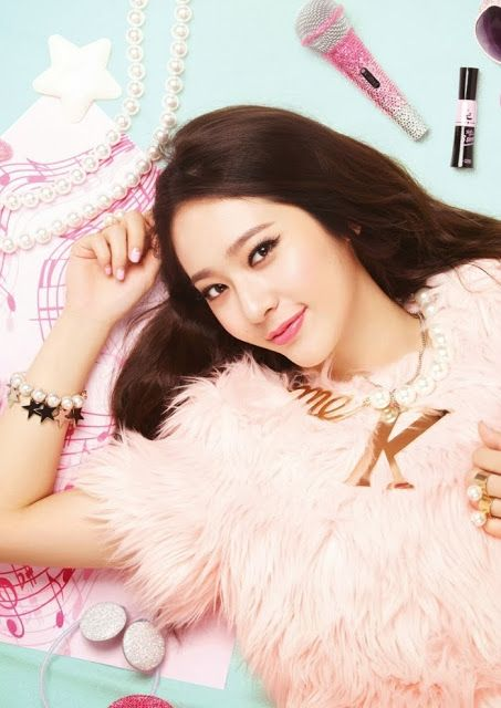 More of f(x) Krystal and Sulli's sweet promotional pictures for 'Etude House'