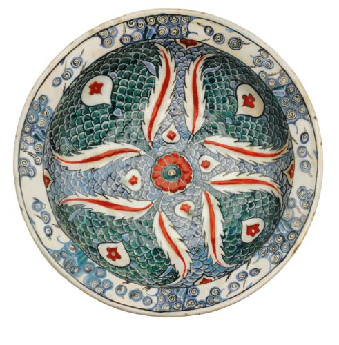 An Iznik polychrome pottery dish, Turkey, circa 1580-85 | Lot | Sotheby's