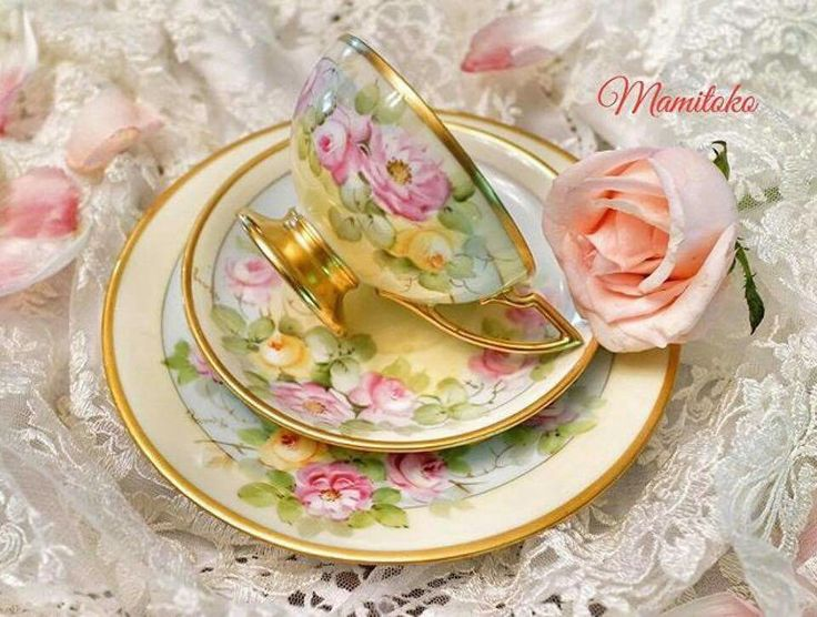 Tea cup, saucer and dinner plate, also pretty crochet table cloth