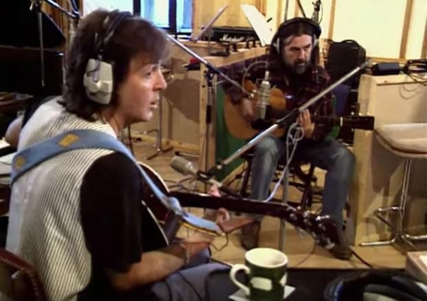 Watch Three Beatles Jam at George Harrison's House in 1994