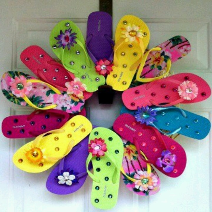 Flip flop craft wreath! Love itFlipflops, Ideas, Dollar Stores, Summer Wreaths, Flip Flop Wreaths, Front Doors, Flip Flops Wreaths, Diy, Crafts