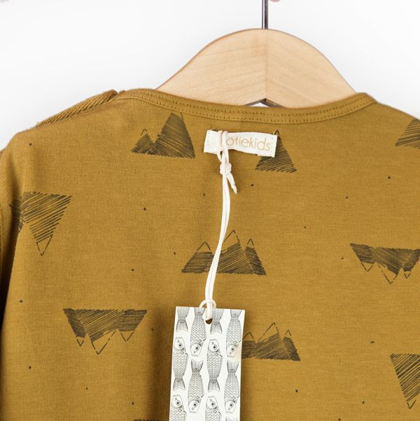 It's all about the details! - Mountain curry t-shirt from lötiekids - Comfortable, fun and playful clothes for kids