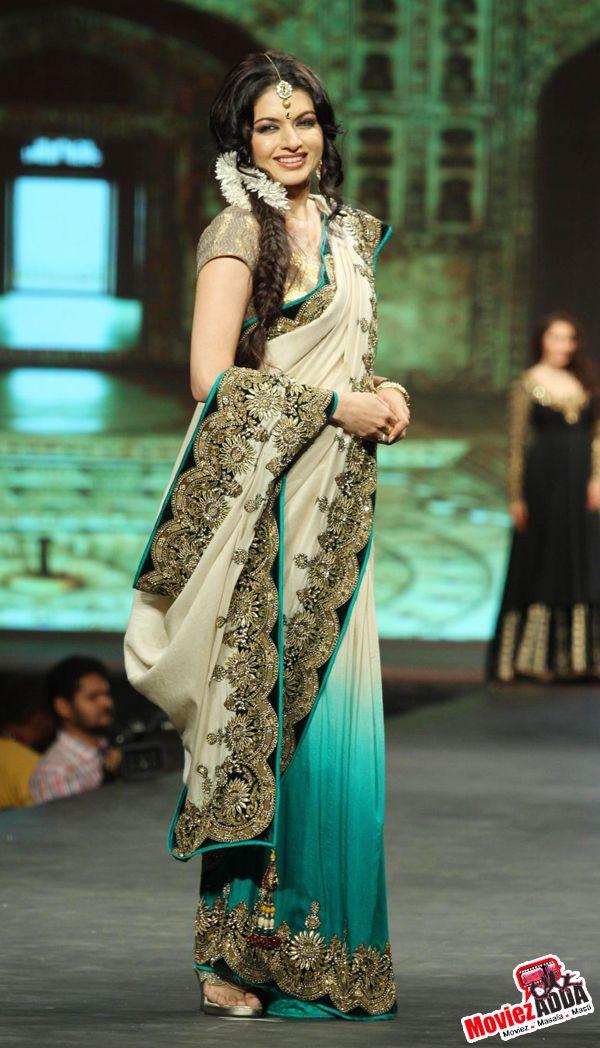 Bhagyashree Patwardhan at Caring with Style fashion show