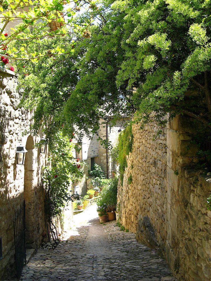 Les ruelles de Lacoste, Provence, France