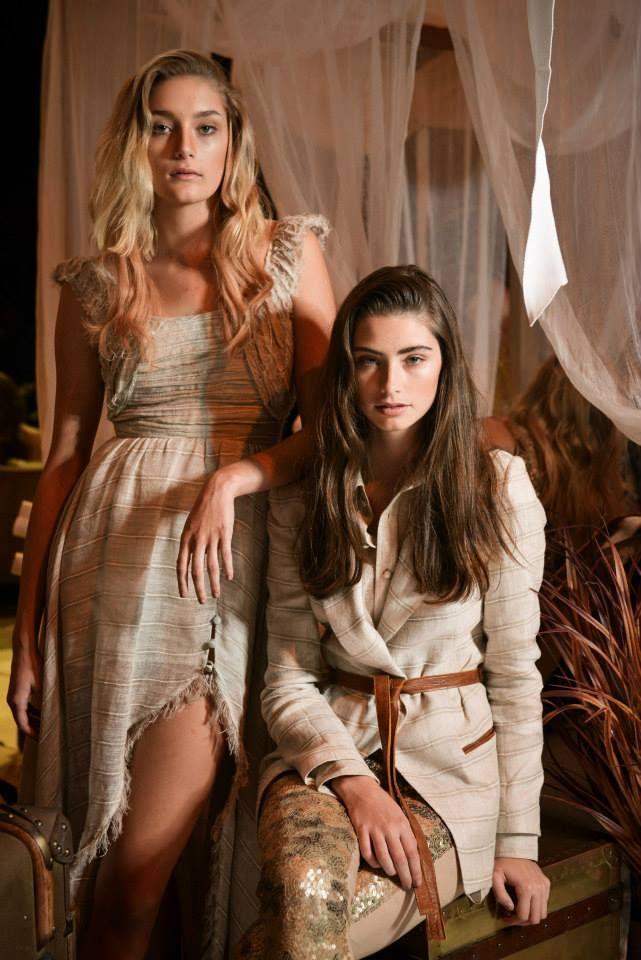 La hairstylist Lauren McCowan ha creato questi look romantici con i bigodini The O e con il ferro conico The Wand per la sfilata dell'Australian Fashion Week