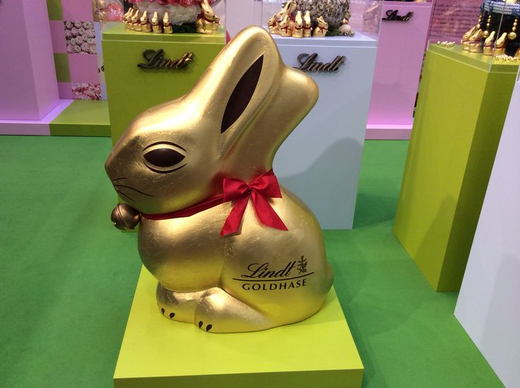 The biggest Lindt bunny, every