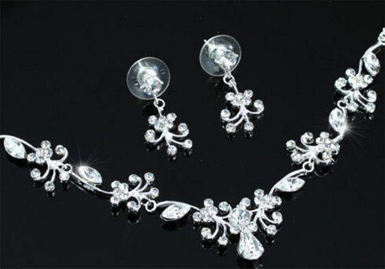 """Κοσμήματα :: Επίσημο Νυφικό Σετ Κολιέ Και Σκουλαρίκια Με Κρύσταλλα """"Aurora"""" - http://www.memoirs.gr/"""
