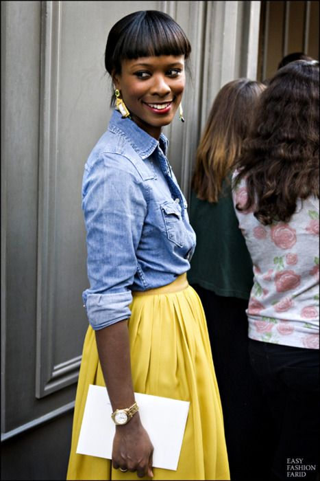I like this look.  Chambray + yellow.  Might try with my pink lace J. Crew skirt. #preppy