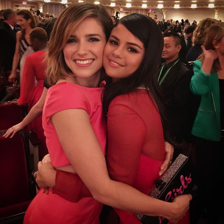 @SelenaFanClub: Sel & @SophiaBush :) : Selena Gomez News