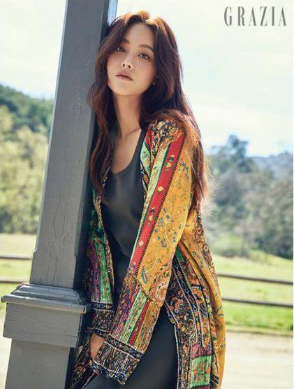de My Sassy Girl Oh Yeon Seo brillantes rayos en LA por Grazia