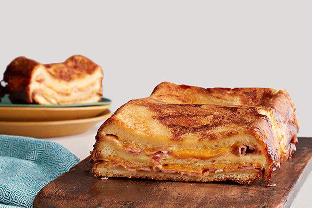 Strata (pastel de pan) de sándwich de jamón y queso Receta