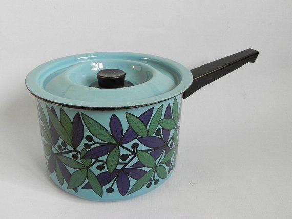 Arabia Finel, Kaj Franck, vintage enamel casserole . Scandinavian modernist…