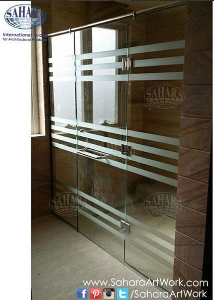 Clear glass shower enclosure with sandblasted stripes, complemented with our Royal handle and glass accessories!