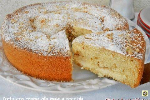 Torta con crema alle mele e nocciole ricetta
