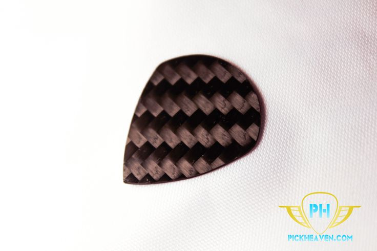 You will relish using this carbon fiber pick, which naturally produces warm and compelling tones. It's crafted from strong 3k woven carbon fiber so at only 0.5mm thick, it's still the ideal accessory for long sessions where you need a reliable, powerful sound.