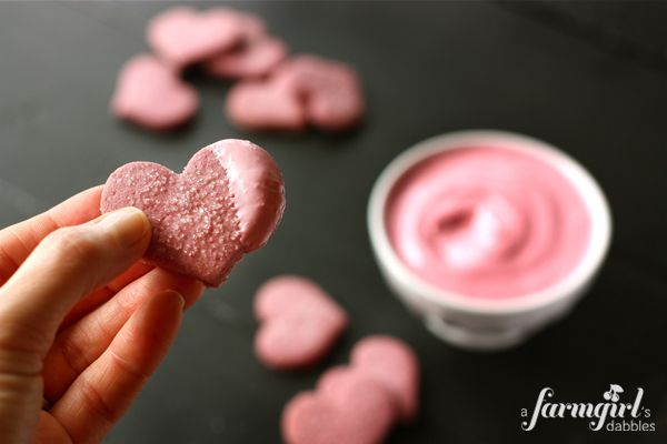 Raspberry Shortbread Hearts with Raspberry Cream Cheese Marshmallow Dip