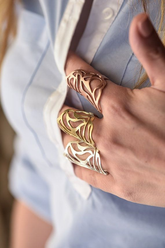 Wear it day or night, summer or winter, and accessorize with style! A 925 sterling silver ring which can be gold or pink gold plated.An