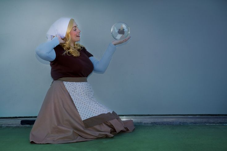 Closet(ish) cosplay: Cinderella's house dress – Little Red