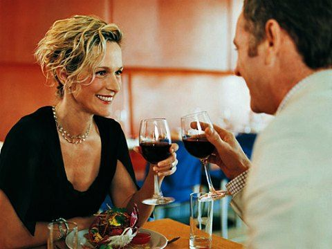 experts dating dining break rules