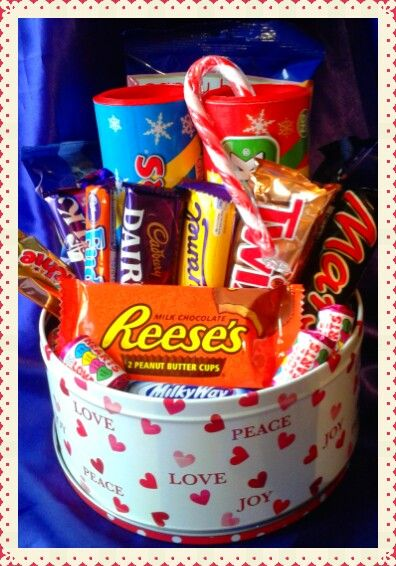 Sweetie and chocolate Christmas tin #Christmas # chocolate #sweets #gift #festive #tin #cadburys #swizzles #reeses #candy #treats #yummy #present #sweetngroovystuff www.facebook.com/sweetngroovystuff