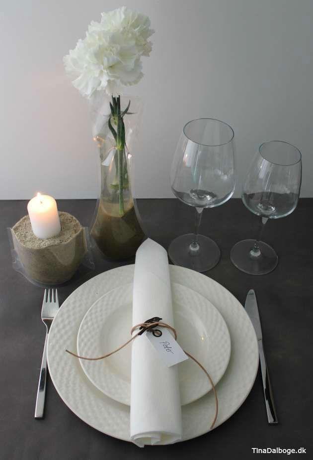Bordpynt og borddækning til fester med posevase og serviet med lædersnøre.Køb materialer i kreahobshop.dk