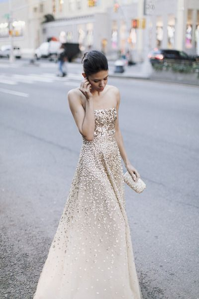 Brautkleid creme gold