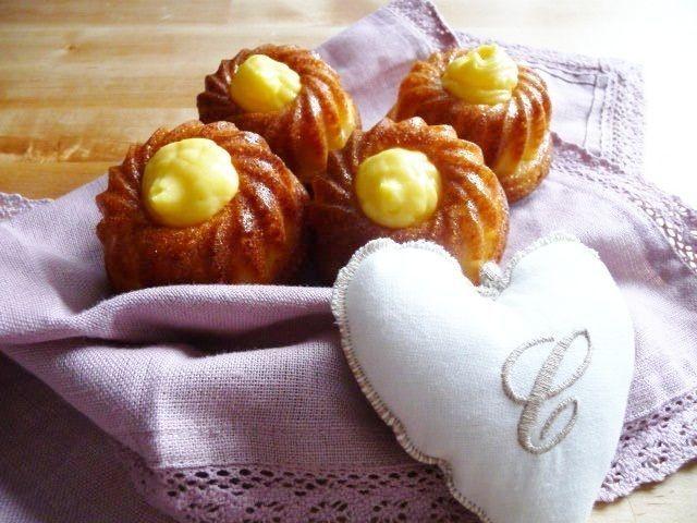 Ciambelline morbidissime con cuore di crema pasticcera, Ricetta Petitchef
