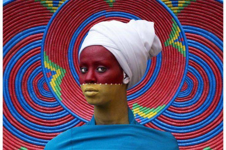 De la Grande Halle de la Villette à la Fondation Vuitton, Paris accueille ce printemps les nouvelles générations d'artistes africains. Une scène émergente, enfin reconnue, par les institutions et le marché.